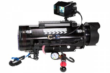 02 Dragon Underwater Housing and Pressure Check System.jpg